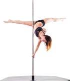 Bella donna che esegue ballo del palo Colpo dello studio, su fondo bianco, isolato Fotografie Stock