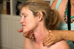 Bella donna che riceve massaggio 70 Immagine Stock Libera da Diritti