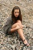 Bella donna che sembra seria Fotografie Stock Libere da Diritti