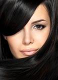 Bella donna con capelli diritti Fotografia Stock Libera da Diritti