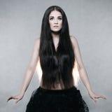 Bella donna con capelli molto lunghi Fotografie Stock