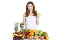 Bella donna con i frutti Fotografia Stock