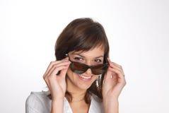 Bella donna con i vetri Immagine Stock