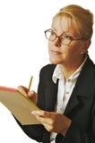 Bella donna con il blocchetto per appunti Fotografia Stock Libera da Diritti