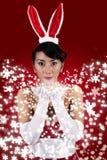 Bella donna con il cappello del coniglietto Fotografia Stock