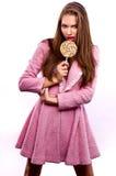 Bella donna con il lollipop Fotografia Stock
