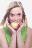 Bella donna con la mela Immagini Stock