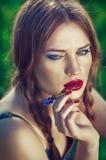 Bella donna con labbra rosse Fotografia Stock Libera da Diritti