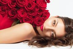 Bella donna con le rose Fotografie Stock