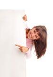 Bella donna con lo spazio in bianco vuoto fotografia stock libera da diritti