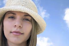 Bella donna del cappello immagine stock