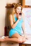 bella donna di vetro del vino Fotografie Stock Libere da Diritti