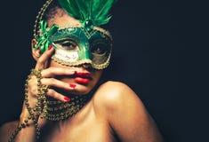Bella donna dorata di fascino Fotografia Stock Libera da Diritti