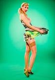Bella donna emozionante. Stile alto e retro di Pin. fotografie stock libere da diritti