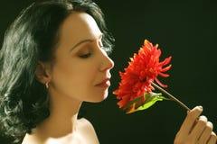 Bella donna espressiva sensuale del brunette Fotografie Stock Libere da Diritti