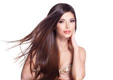 Bella donna graziosa bianca con capelli diritti lunghi Fotografia Stock Libera da Diritti