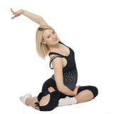 Bella donna incinta che fa i pilates Fotografia Stock
