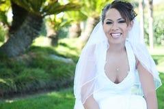 Bella donna ispanica alla cerimonia nuziale fotografie stock libere da diritti