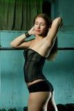 Bella donna muscolare sportiva Fotografia Stock