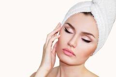 Bella donna naturale della ragazza dopo le procedure cosmetiche cosmetology Fotografia Stock