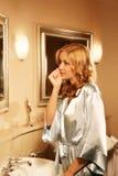Bella donna nel bagno Fotografie Stock Libere da Diritti