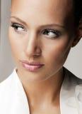 Bella donna nell'immagine di stile di modo Fotografie Stock
