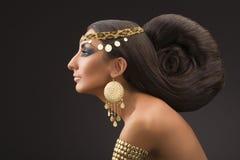 Bella donna orientale Immagini Stock