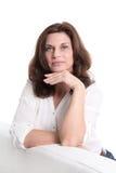 Bella donna più anziana isolata su bianco. fotografie stock libere da diritti
