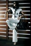 Bella donna in ristorante Fotografia Stock