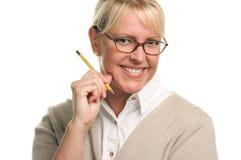 Bella donna sorridente con la matita Fotografie Stock Libere da Diritti
