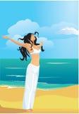 Bella, donna sottile e forte sulla spiaggia Immagine Stock Libera da Diritti