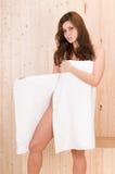 Bella donna in stazione termale Immagine Stock
