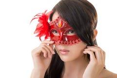 Bella donna in una mascherina di carnevale fotografie stock
