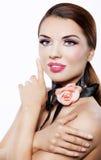Bella e donna sorridente elegante Fotografia Stock