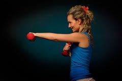 Bella esercitazione della giovane donna Fotografia Stock Libera da Diritti
