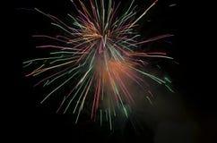 Bella esplosione dei fuochi d'artificio Fotografia Stock Libera da Diritti