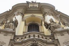 Bella facciata gotica del gatto cattolico Fotografie Stock Libere da Diritti