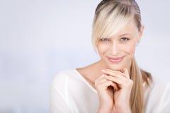 Bella femmina sorridente Fotografia Stock Libera da Diritti