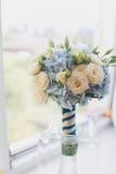Bella fine del mazzo di nozze su all'aperto Dettagli, petali, foglie Fotografia Stock