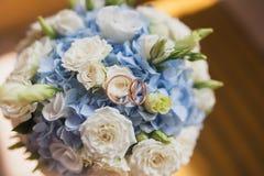 Bella fine del mazzo di nozze su all'aperto Dettagli, petali, foglie Fotografia Stock Libera da Diritti