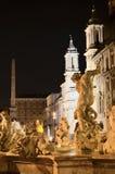 Bella fontana di Nettuno sulla piazza Navona a Roma, Italia Fotografie Stock