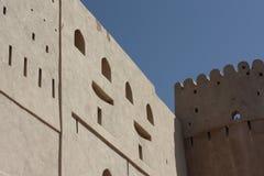 Bella fortificazione di Nizwa, Oman immagini stock libere da diritti