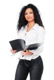Bella giovane donna con il dispositivo di piegatura Immagine Stock Libera da Diritti