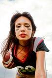 Bella giovane donna di gioco del calcio Fotografia Stock Libera da Diritti