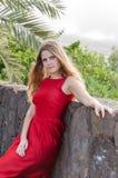 Bella giovane donna nel parco Immagine Stock