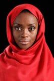 Bella giovane donna religiosa nera nel hijab fotografie stock libere da diritti