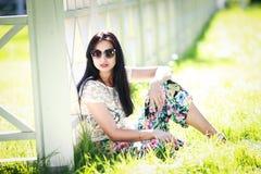 Bella giovane donna in sosta Fotografie Stock