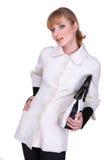 Bella giovane donna in vestiti bianchi Fotografie Stock Libere da Diritti