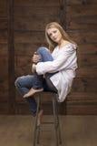 Bella giovane ragazza bionda fotografia stock libera da diritti