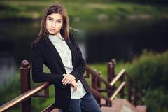 Bella giovane ragazza castana Fotografie Stock